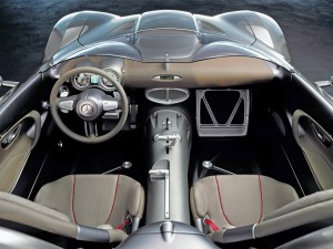 2001 Mercedes Benz F400 Carving up interior