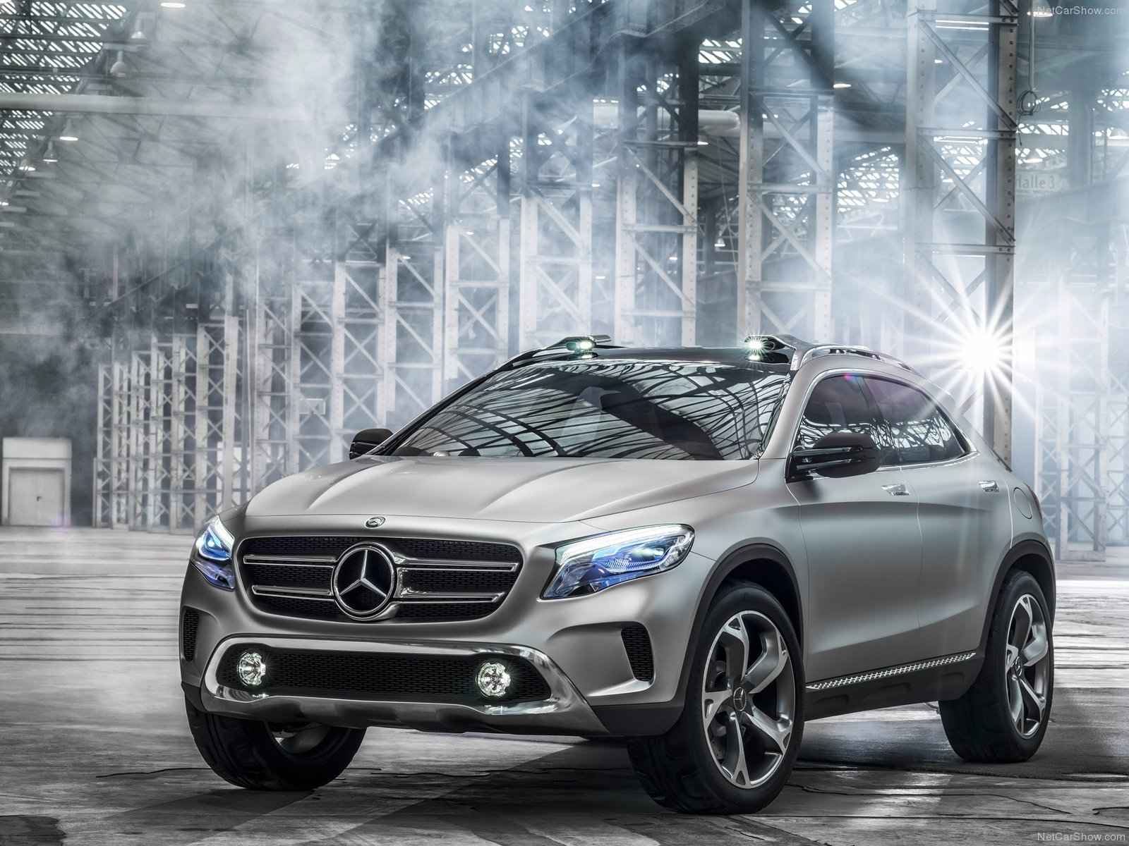 car and test suv original photo s driver mercedes review reviews benz small
