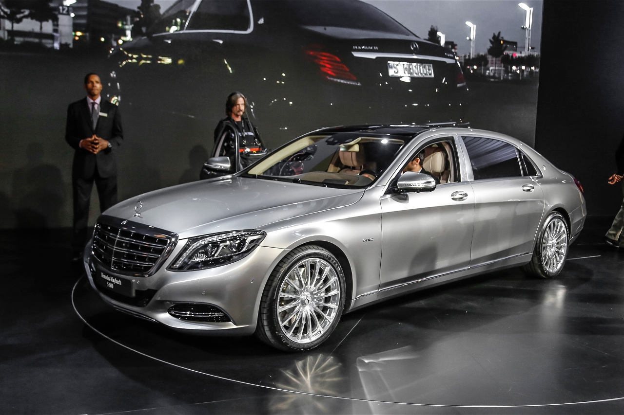 2016 mercedes maybach s600 official trailer mercedes benz for Mercedes benz s600 amg 2010
