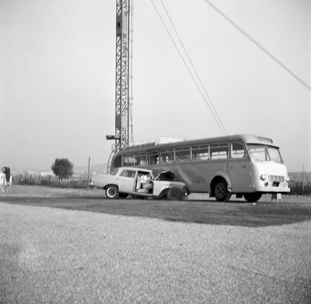 1959 mercedes benz w111 fintail mercedes benz for Mercedes benz edison service