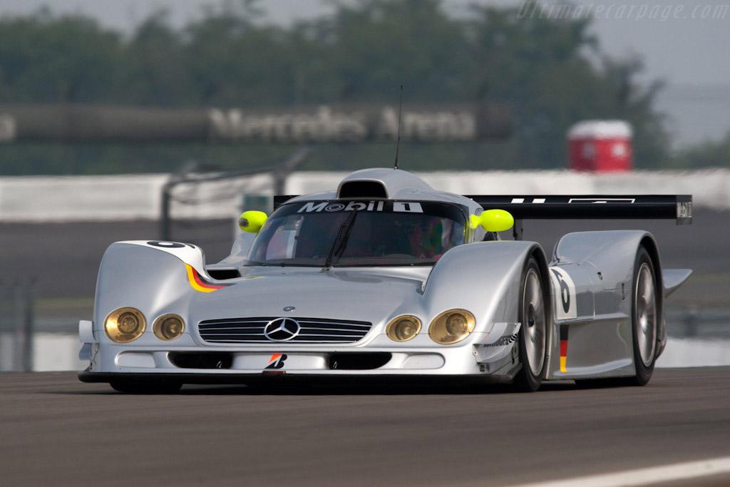 Mercedes-Benz-CLR-2.jpg