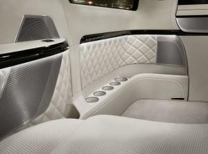Mercedes-Benz-Van-12C393_11