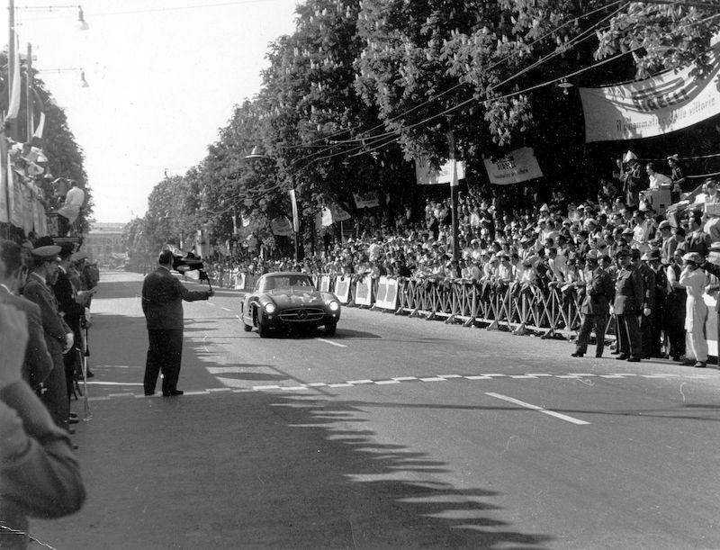 Mercedes-Benz 300SL Black 1955 finish