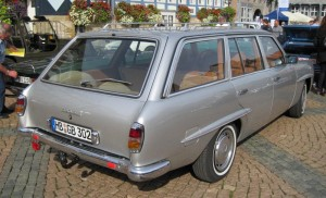 Mercedes-Benz W123 190SLT 3