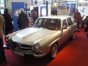 Mercedes-Benz W123 190SLT 6