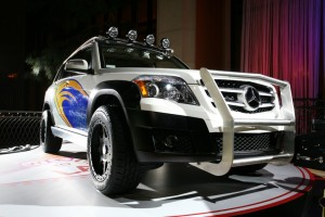 Mercedes-Benz_GLK_Rock_Crawler_by_Legendary_Motor_Company 14