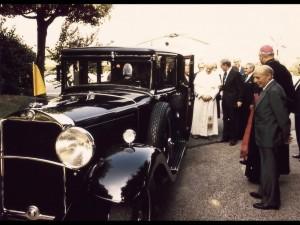 1930-Mercedes-Benz-Nurburg-460-Popemobile-In-1984-Pope-John-Paul-II-received-the-lavishly-restored-Mercedes-