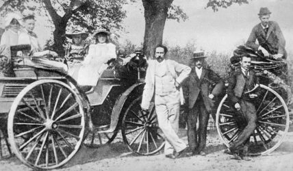 1894 Karl Benz in light suit, with family and friends