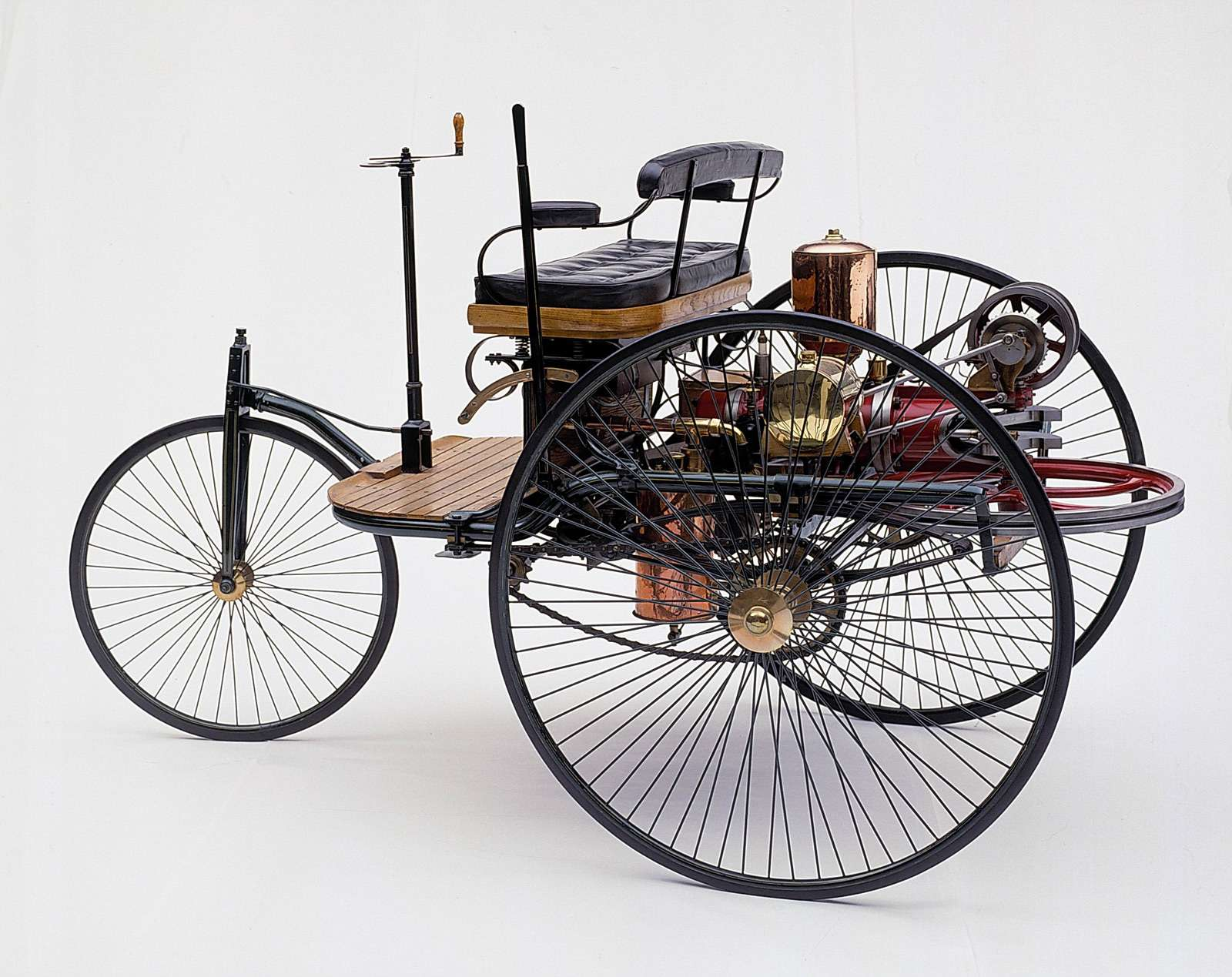 karl benz and the benz patent German mechanical engineer karl benz took the horseless carriage to new heights but his wife bertha was the one who took it to the road, creating a new industry in the process.